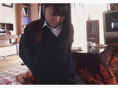 毎朝登校前に父親を制服姿でフェラ抜きする厨房娘 禁断ホームビデオ第2弾