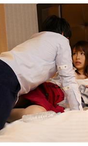 『伊藤舞雪』出張先での仕組まれた相部屋!巨乳の新人人妻OLが同部屋にされ絶倫部長に犯されちゃう♡背徳の快感NTR♡