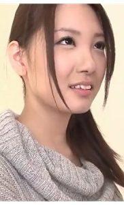 『宇都宮しをん(安齋らら RION)』神乳Jカップの原点!黒髪でまだウブそうな19歳の彼女のデビュー作♡ぎこちないフェラチオをして顔射されちゃう♡