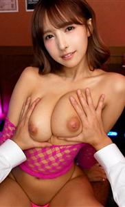 『三上悠亜』「オプション付けたらイイコトあるよ♡」元アイドルのオッパブ嬢の積極さにM男はタジタジ♡店内に他の客がいるのに絶頂アクメで本番SEX♡
